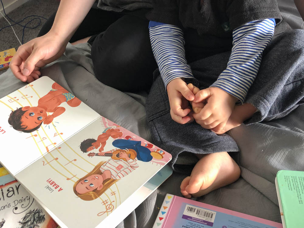 Look! Babies Head to Toe Review 5