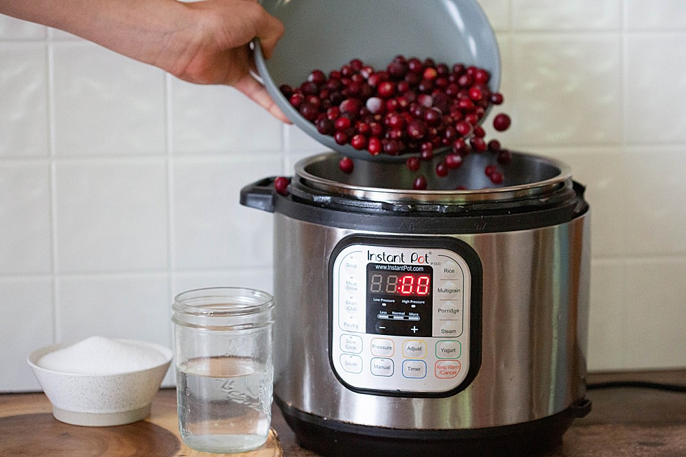 Instant pot cranberry sauce recipe.